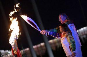 Irina Rodnina_Vladislav Tretyak_light_Olympic_flame