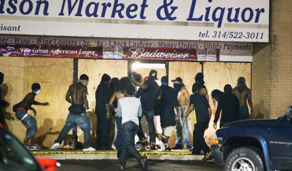 #Ferguson Anniversary: Protests and Gun Battles With Police