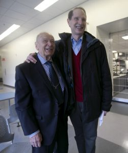 WWII Vet Dario Raschio (left) and Senator Ron Wyden (D-Oregon)(left)