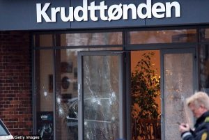 A outside view of the cafe after the attack (photo:Getty Images/AP)