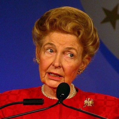 Phyllis Schlafly: Dems Push Scheme to Win Elections with Illegal Alien Votes