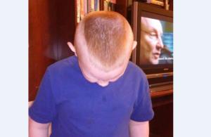 Adam Stinnett's haircut