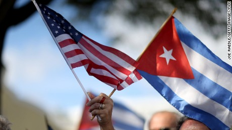 #Cuba: U.S. Flag Raised In Havana, Castro Demands Money