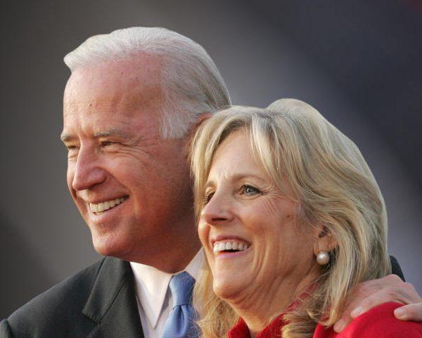 """Obama """"Blesses"""" Joe Biden's 2016 Presidential Bid"""