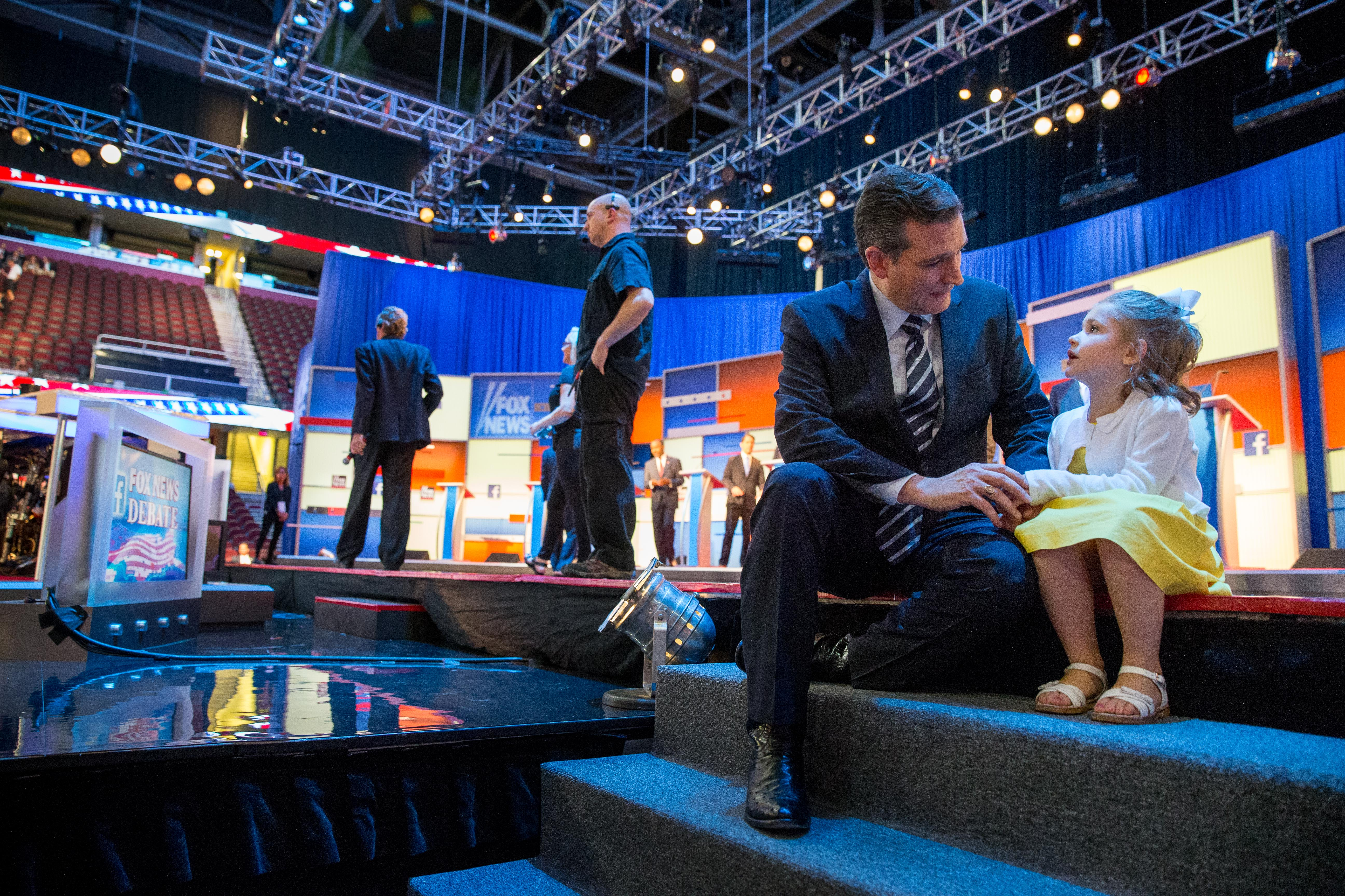 #GOPDebate: Ted Cruz's Precious Daughters Steal The Show