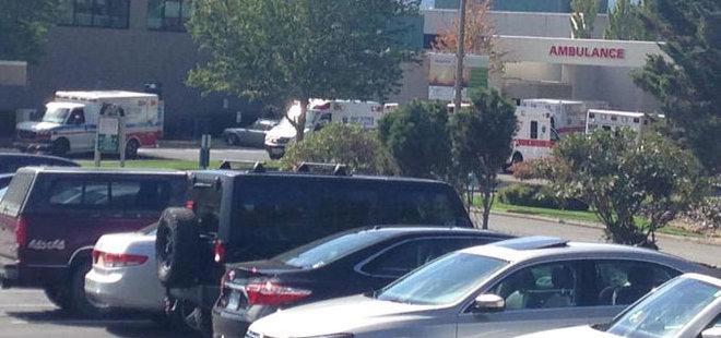 Ambulances at Mercy Medical Center in Roseburg, OR, after the shooting at Umpqua Community College (photo credit: KATU)