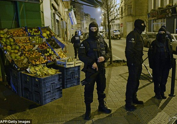 "#ParisAttack (VIDEO): Final Terrorist Mastermind Arrested In Belgian ""Suburb"""