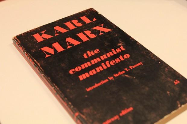Man Tries to Fool Cruz into Signing Communist Manifesto, Here's What Happened