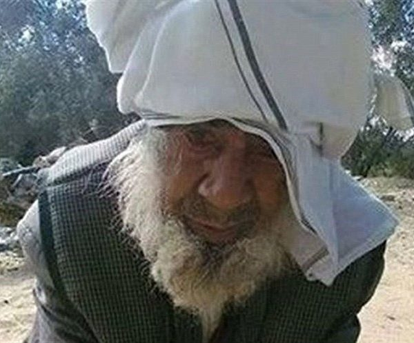 "#ISIS Beheads 100 Year Old #Sufi Cleric For Practicing ""Witchcraft"" in Egypt's #Sinai Desert [VIDEO]"