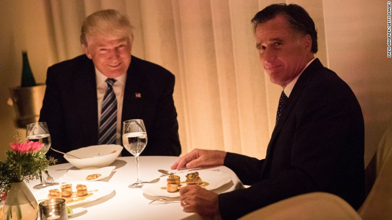 Trump and Romney at dinner last week (photo: Drew Angerer/Getty Images)