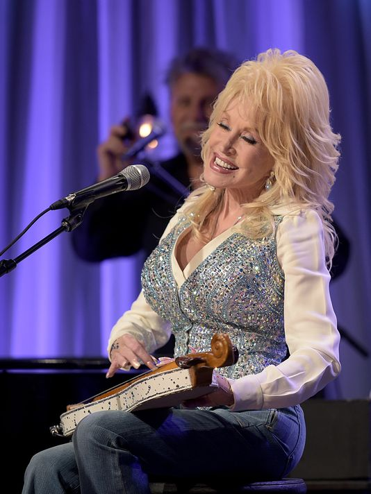 Dolly Parton's Star Studded Telethon Raises $9Mil For Tennessee Fire Relief [VIDEOS]