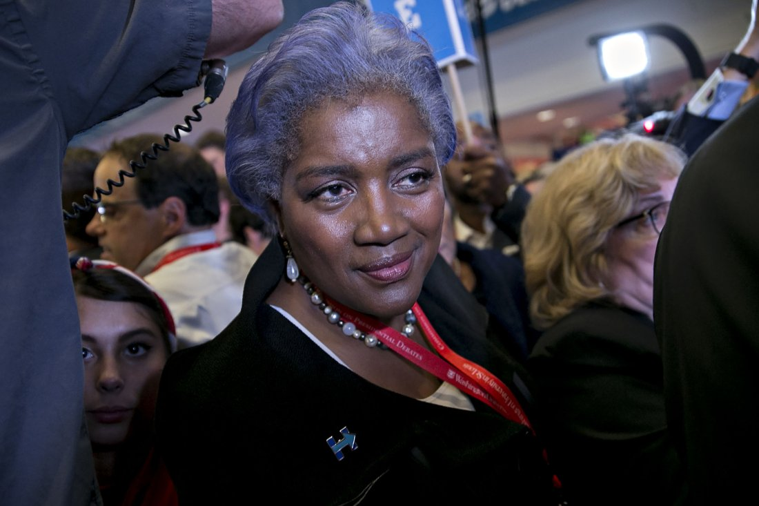 Donna Brazile finally admits to passing debate questions to Hillary Clinton
