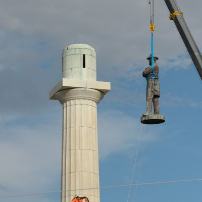 New Orleans takes down 130 year old statue of Robert E. Lee
