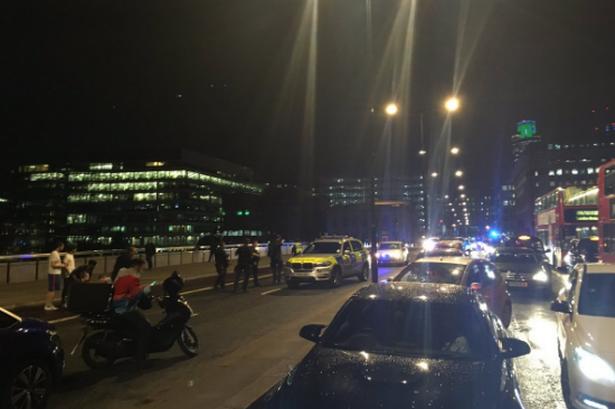 Van Plows Into Fifteen to Twenty People On #LondonBridge  [VIDEO]