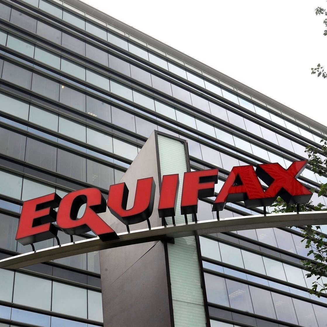 The #EquifaxBreach Has Become A 5-Alarm Dumpster Fire [Video]