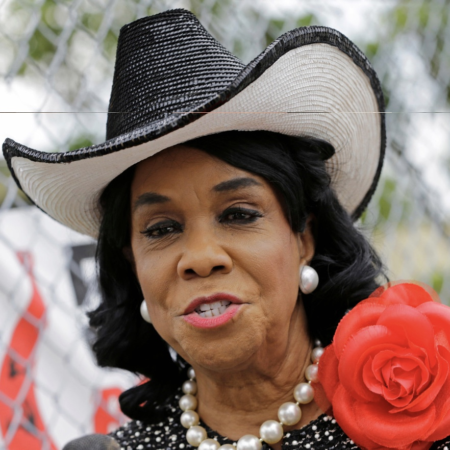 "Frederica Wilson: ""Empty barrel is racissssst"""