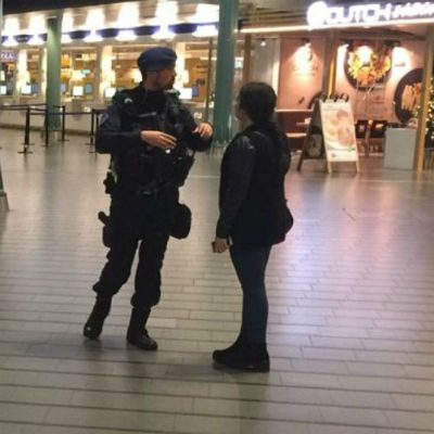 Man Wielding Knife Shot At Schiphol Airport In Amsterdam [VIDEO]