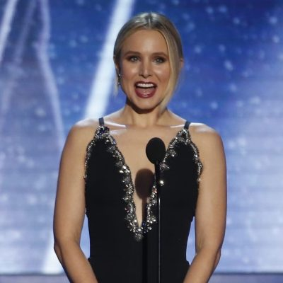 "Kristen Bell Spreads ""Kindness"" like Confetti: By Throwing Melania Trump Shade at #SAGAwards"
