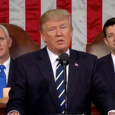 #SOTU: President Trump Proudly Stands For Our National Anthem, Democrats Pout [VIDEO]