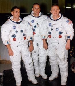 earthrise apollo 8 astronauts