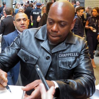 Dave Chappelle Gives Cancel Culture the Finger