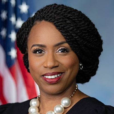 Ayanna Pressley Lectures Fed Chairman On Black History