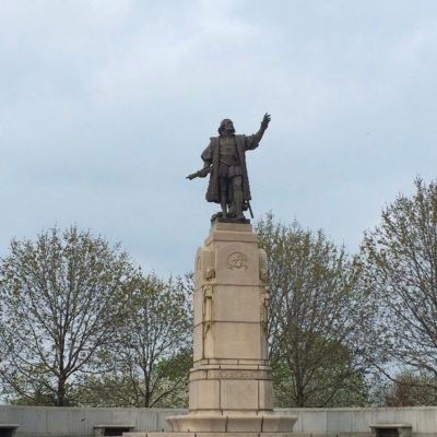Columbus Stand Off In Chicago: Protestors Tried To Topple Statue