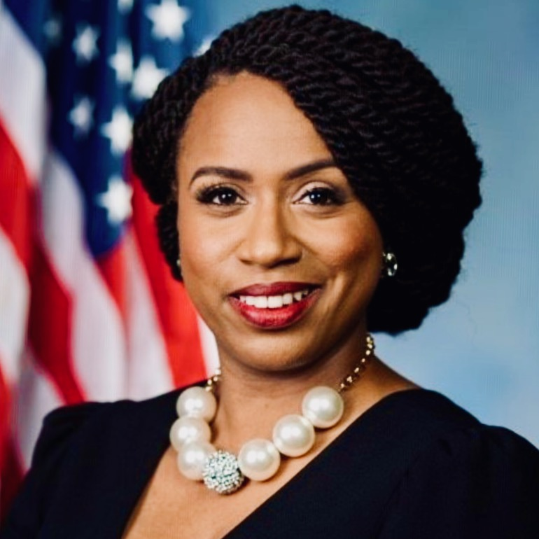 """#DNC2020: Squad Member Ayanna Pressley Applauds Rioting Thugs For """"Rising Up"""""""