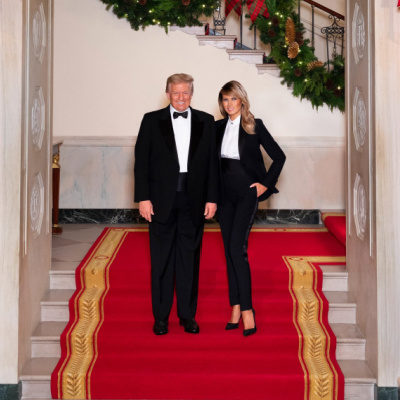 Christmas Photo Of Trumps Causes Controversy
