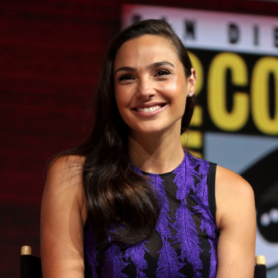 Wonder Woman Actress Takes Incoming For Peace Prayer
